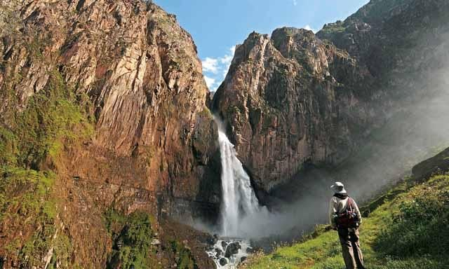 Colca Canyon Trek And Fure Waterfall Expedition